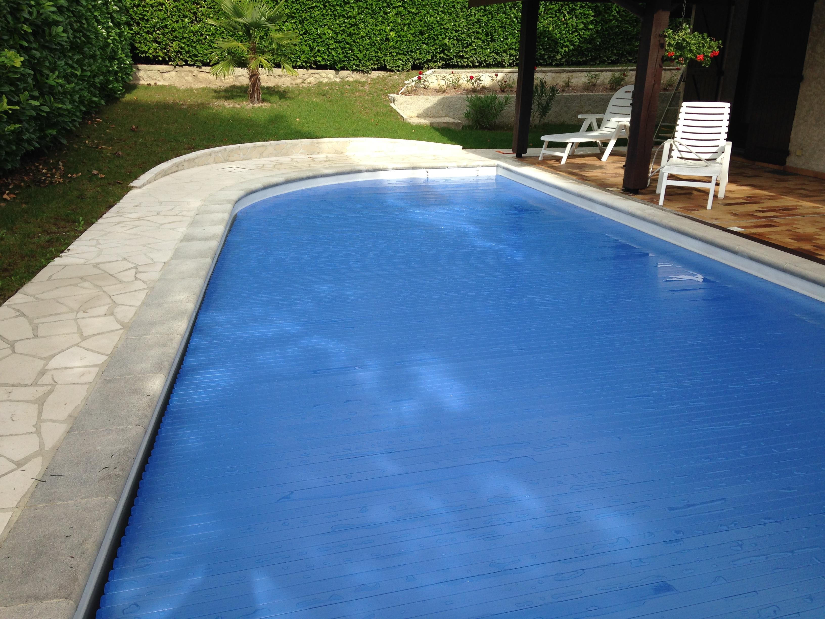 lame pour volet roulant de piscine volet de piscine chauffante. Black Bedroom Furniture Sets. Home Design Ideas