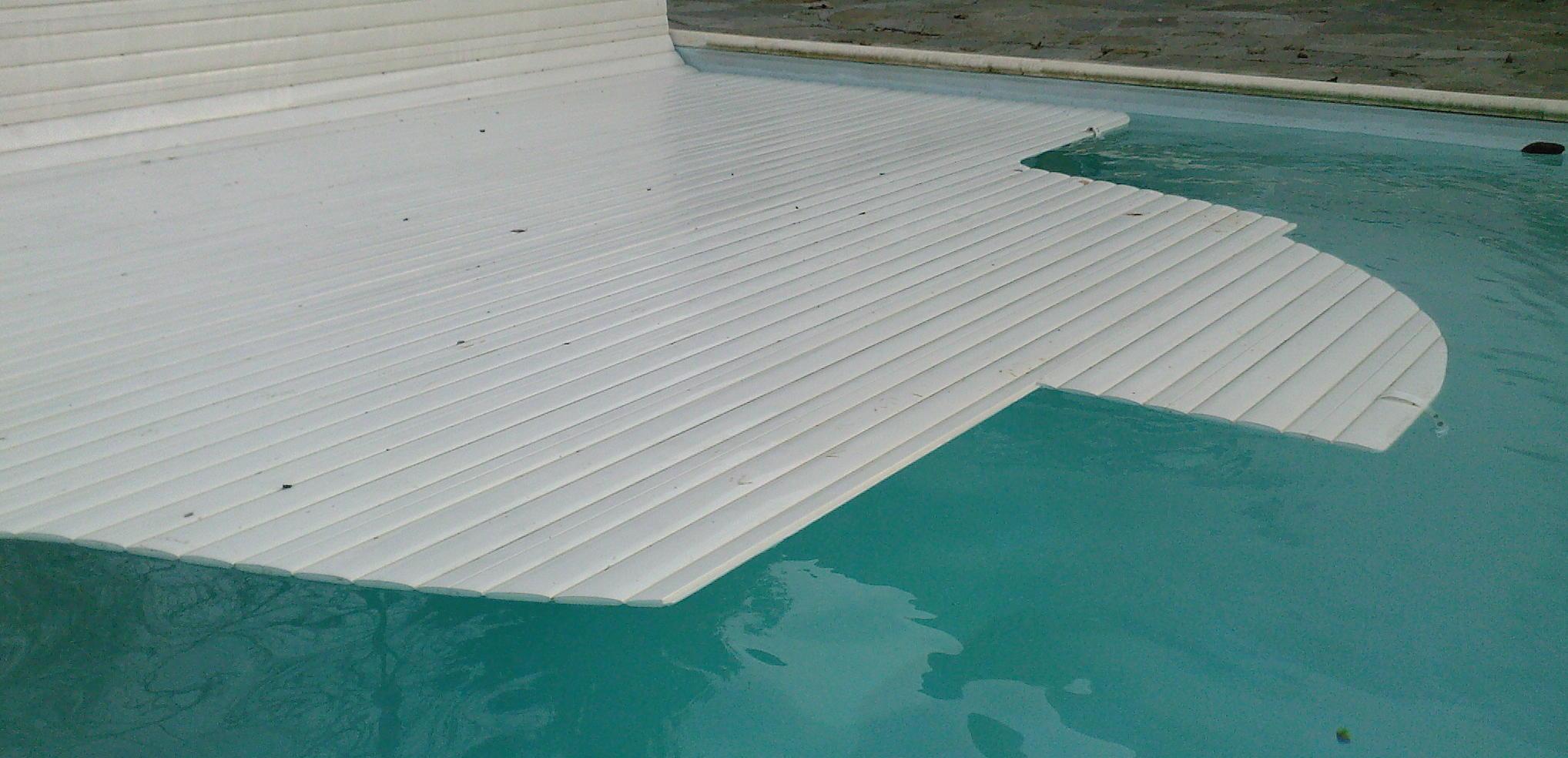 Lames de volet de piscine volet flottant de piscine for Aquafab produits de piscine