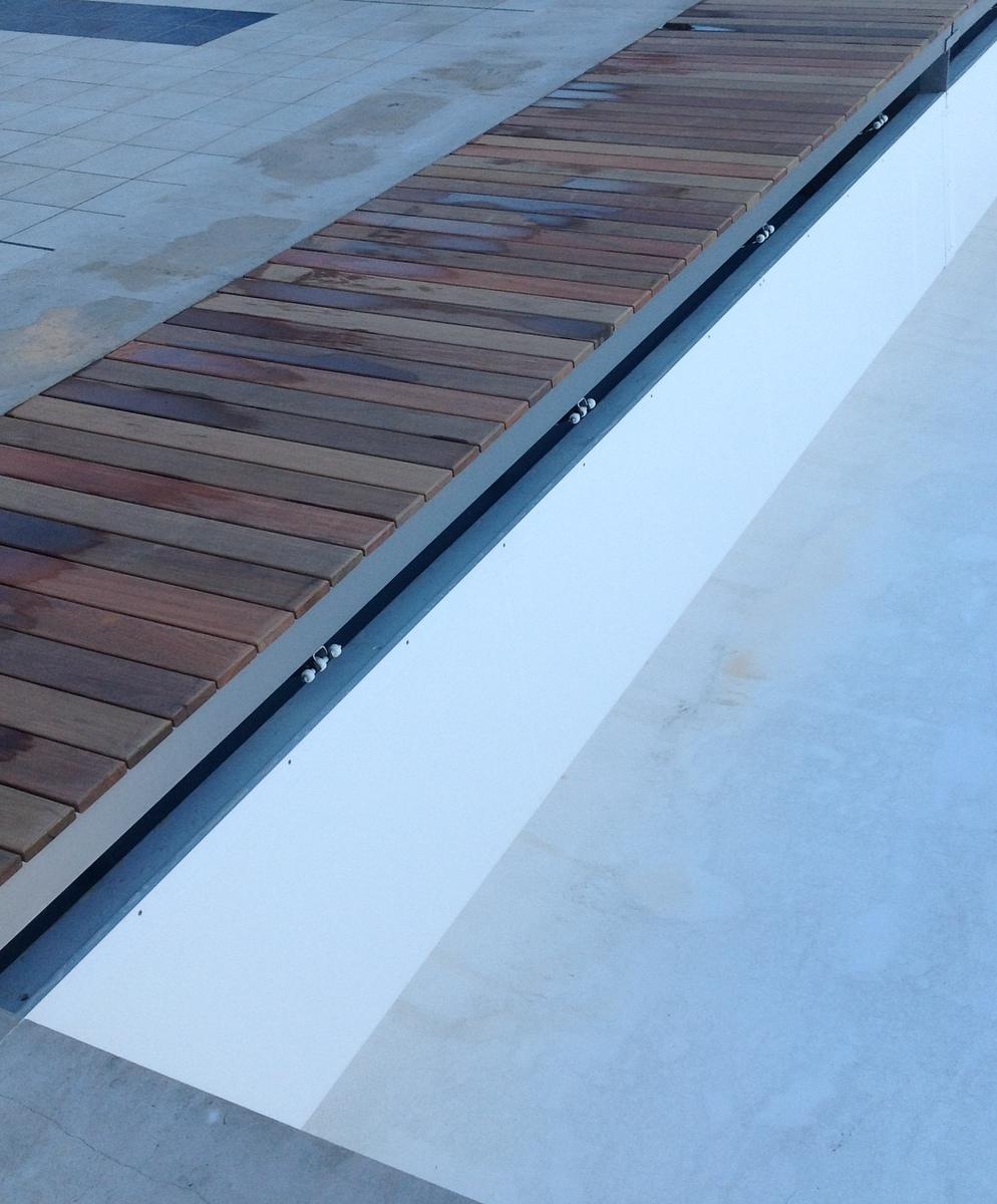 Couvertures piscine automatiques rideau de piscine lectrique - Couverture piscine automatique prix ...