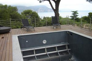 Couvertures piscine automatiques rideau de piscine lectrique - Coffre volet roulant piscine ...