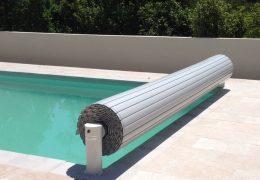 Couvertures piscines rigides rideaux de piscines for Bache rigide piscine
