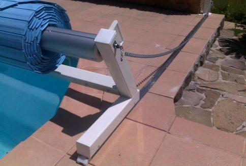 volet de piscine mobile protection de piscine amovible. Black Bedroom Furniture Sets. Home Design Ideas