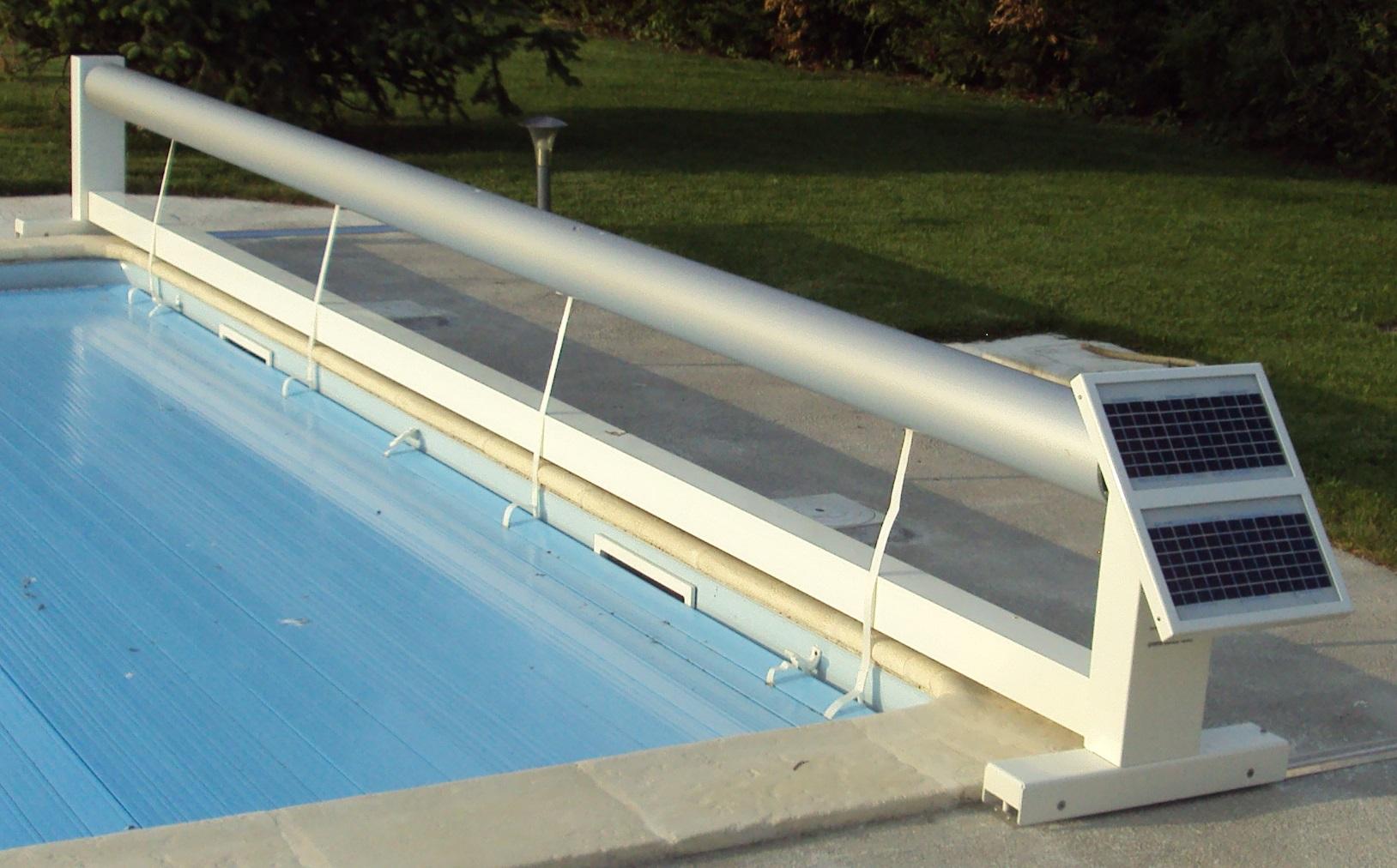 Couvertures piscine automatiques rideau de piscine lectrique for Volet roulant de piscine